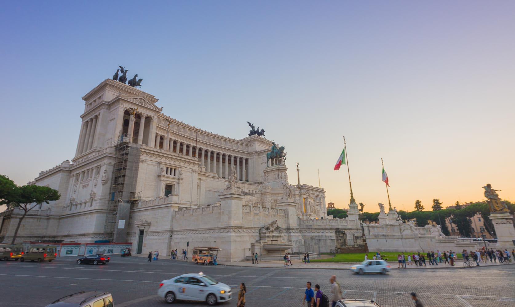 L'Altara alla Patria, Rome